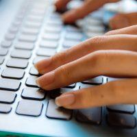 「オンライン授業! 大学での取り組みは?」記事サムネイル