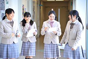 学校特集 女子に人気の制服特集...